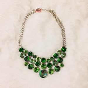 Jewelry - Necklace:🔥2/$40 Simulated Emerald Bib Statement